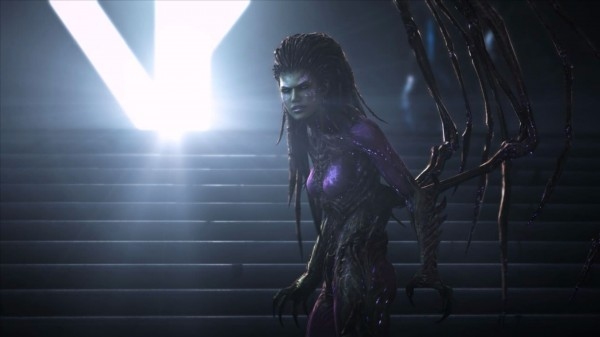 StarCraft-II-Heart-of-the-Swarm-Cinematic-02