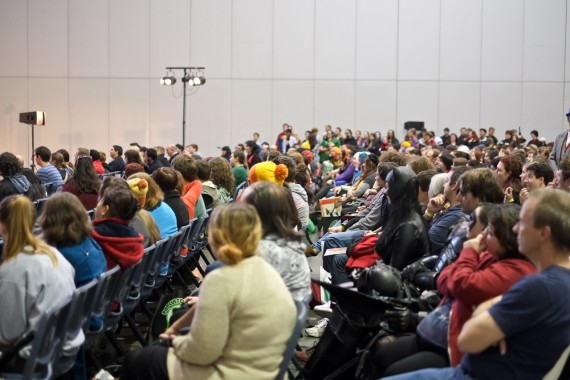 Alan-Tudyk-supanova-02-crowd