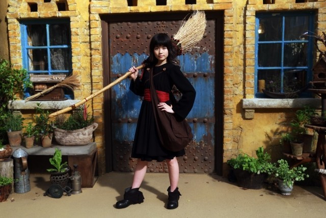 kikis-delivery-live-action-visual