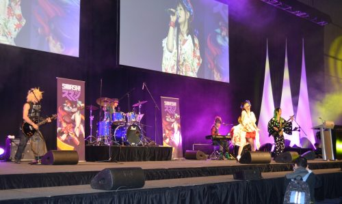 Loverin Tamburin Live Concert at SMASH! 2013