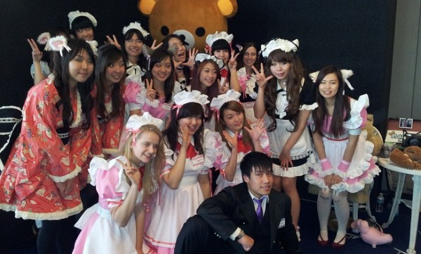 maid-cafe-smash-2013-003