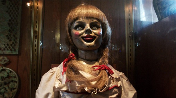 The-Conjuring-Screen-03