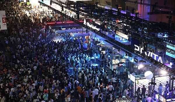 tgs-2013-crowd