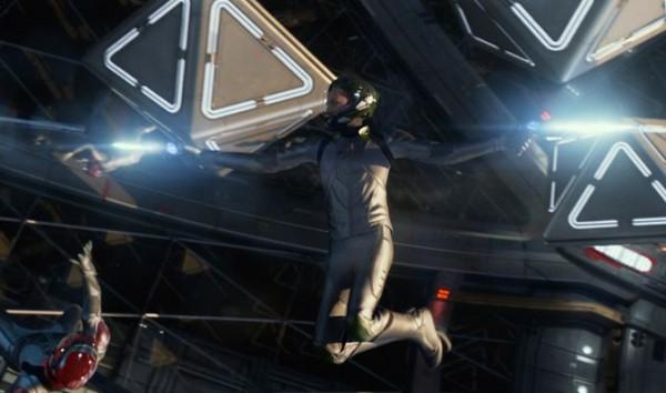 Enders-Game-Screenshot-05