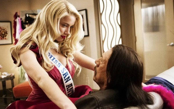 Machete-Kills-Still-02