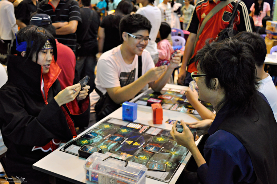 cardfight-vanguard-battle-real-life-01