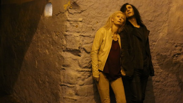 Only-Lovers-Left-Alive-Still-04
