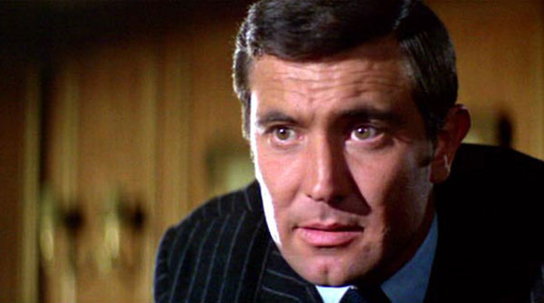George-Lazenby-James-Bond-01