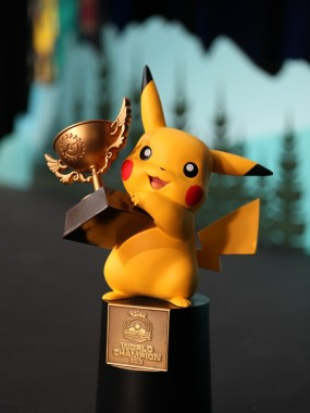 Pokemon-World-Champion-Trophy