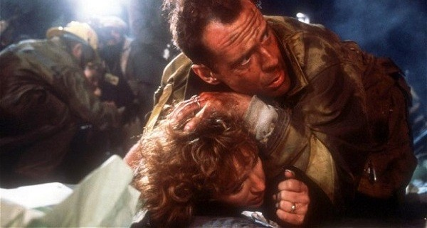 A11RCG Die hard Year 1988 Director John McTiernan Bruce Willis Bonnie Bedelia